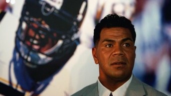 World-Famous Doctor Helps With Junior Seau's Autopsy