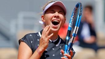 17-Year-Old American Anisimova Stuns Defending Champ Halep
