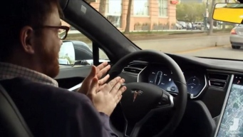 Tesla Update Allows Limits Automatic Driving Capabilities
