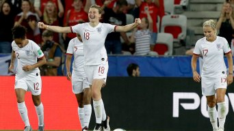 England Beats Japan 2-0 to Clinch Top Spot in Group D