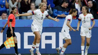 US Dominates Rival Sweden 2-0 to Remain Undefeated