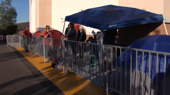 San Diego Shoppers Hit the Stores on Black Friday