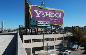 "Yahoo Adds ""Community"" to Its Content"