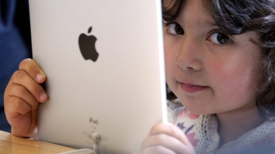 iPad Sales Suffer from Amazon's Kindle Fire