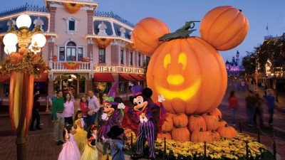 Trick-or-Treating, Disney-Style