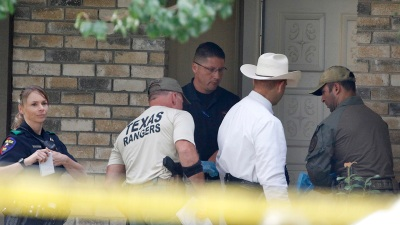 Eight killed, including gunman, in shooting at Texas home
