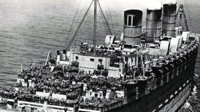 Queen Mary's Memorial Day Salute