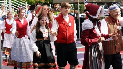 Dances, Beer, Pastries: Solvang's Danish Days