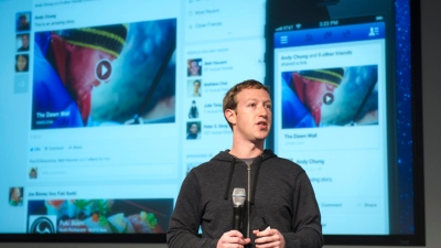 Facebook Turns to Standalone Apps