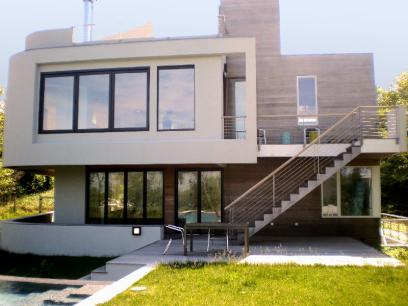 $2.7M for an Ultra-Modern Montauk Home