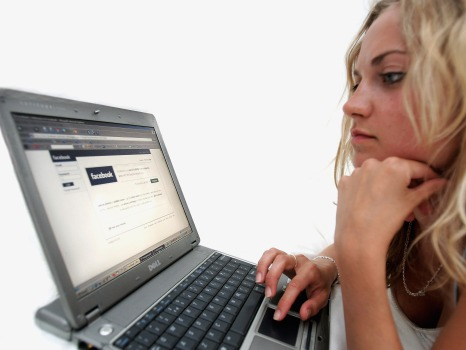 Women More Expensive To Reach on Facebook
