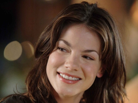 "Michelle Monaghan Takes Aim at Gerard Butler's ""Machine Gun Preacher"""