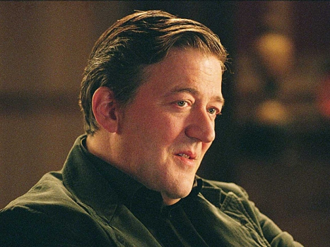 "Stephen Fry Signs on to Play Mycroft in ""Sherlock Holmes 2"""