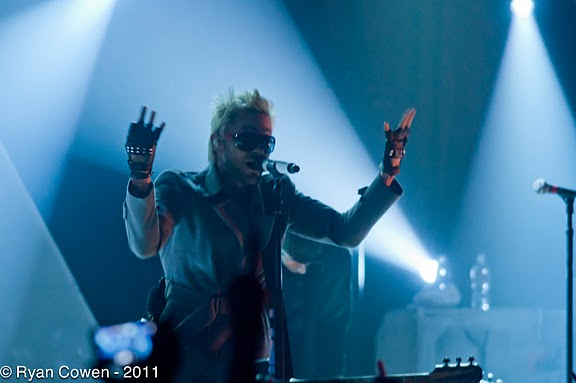 Screen Grabs: 30 Seconds to Mars at HOB