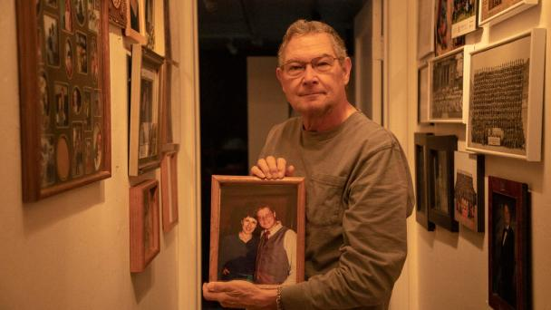Widower Defends Doctor Blamed in Opioid Death
