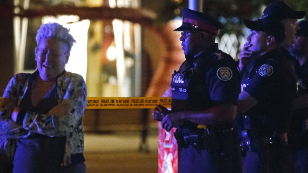 [NATL] Top News Photos: Toronto Shooter Kills Two, Injures Twelve More