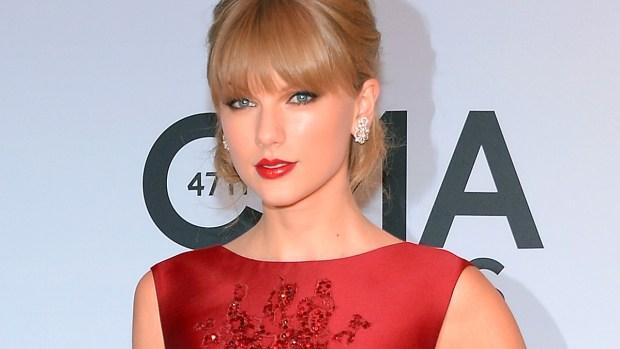 [NATL] Country Stars Honored at the 2013 CMA Awards