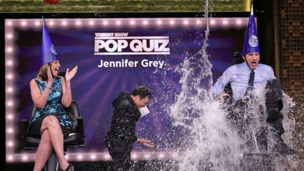 "[NATL] Jimmy Fallon Plays ""Pop Quiz"" with Savannah Guthrie and Matt Lauer"