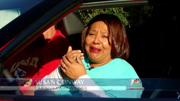 [DGO]Santee Woman Receives New Car from Ellen