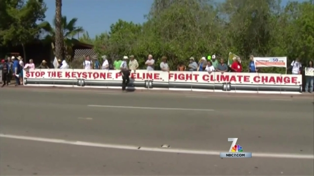 [DGO]President Greeted by Supporters, Protesters in SD