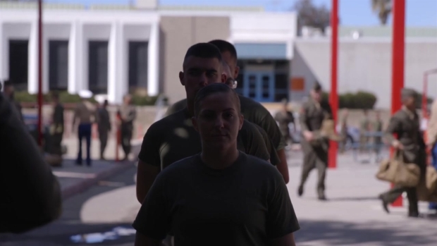 [DGO] Female Marines Arrive at Camp Pendleton