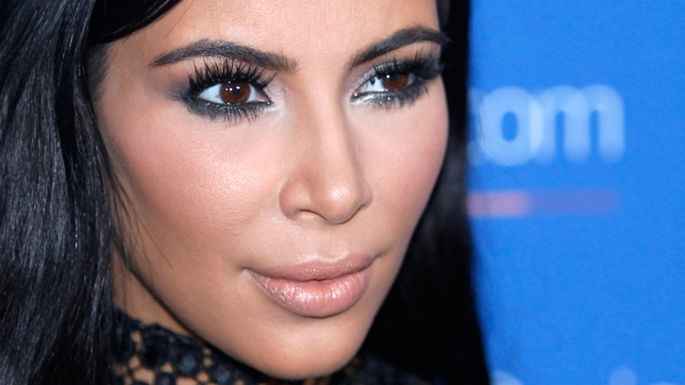 [NATL] Police in Paris Make Arrests Related to Kardashian Robbery