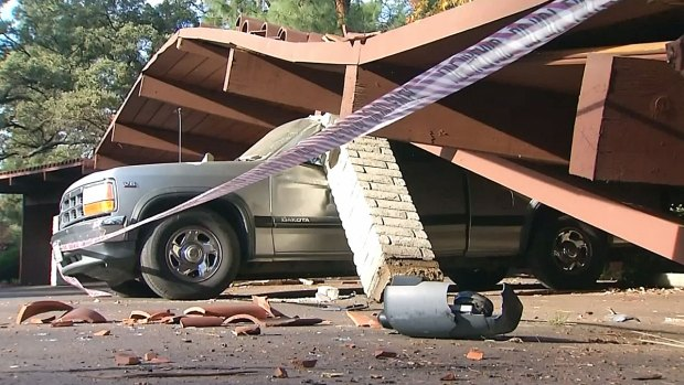 Carport Crushes Cars in Alpine Belonging to Same Family