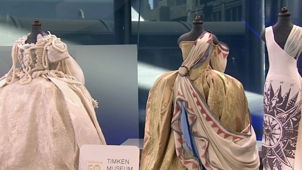 [DGO]  Art of Fashion at Timken Museum
