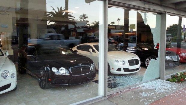 [DGO] Thieves Break Into Bentley San Diego in La Jolla