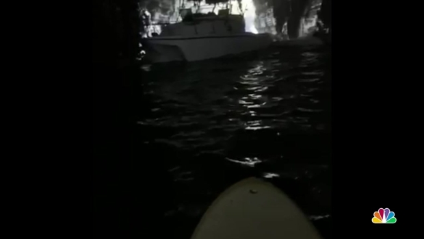 [DGO]Raw Video: Fishing Boat Stuck in Cave Near Sunset Cliffs