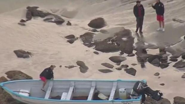 [DGO] CBP Investigates Beached Panga in La Jolla