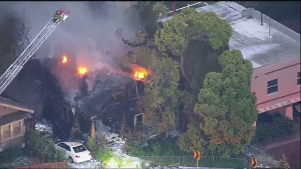 [DGO] Chopper 7 Captures Mission Hills House Fire