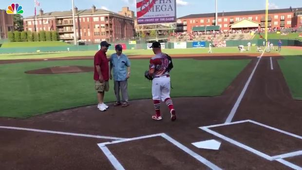 [NATL] 104-Year-Old WWII Veteran Throws Out First Pitch