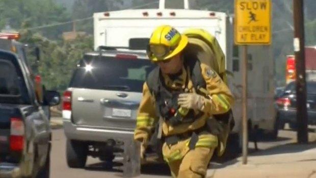 [DGO] Firefighters Battle Blaze Near Santee Homes