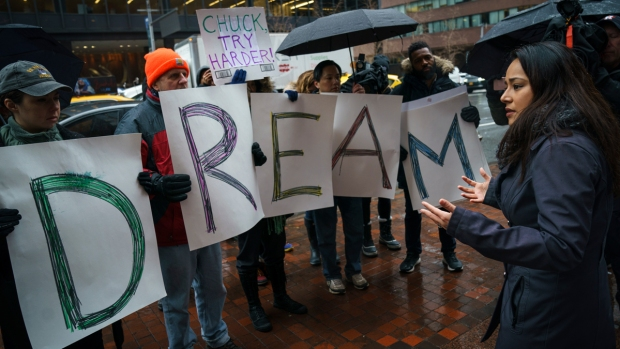 Top News: Activists Rally for DREAM Act
