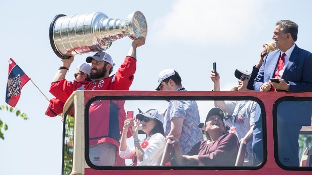 [NATL] Best Moments From the Caps Stanley Cup Victory Parade
