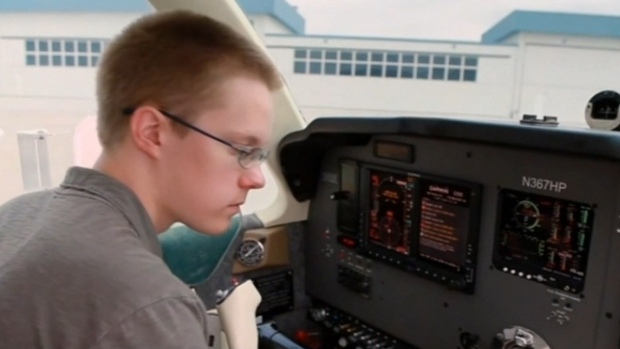 [DGO] Teen Pilot Attempts Record-Breaking Solo Flight