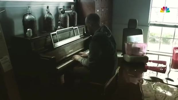 [NATL] Houston Pastor Plays Piano in Flooded Home