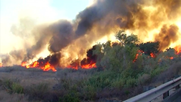 Winds Fuel Lilac Fire Near SR-76 and I-15