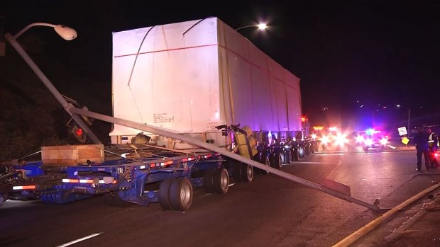 [DGO] Big Rig vs Power Pole in Paradise Hills