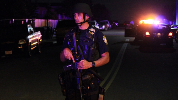 2 Police Officers Shot in San Diego