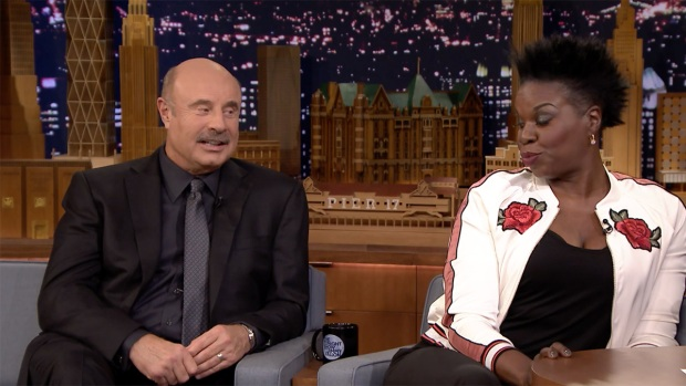 [NATL] 'Tonight': Leslie Jones Plays 'Truth or Lie' With Dr. Phil