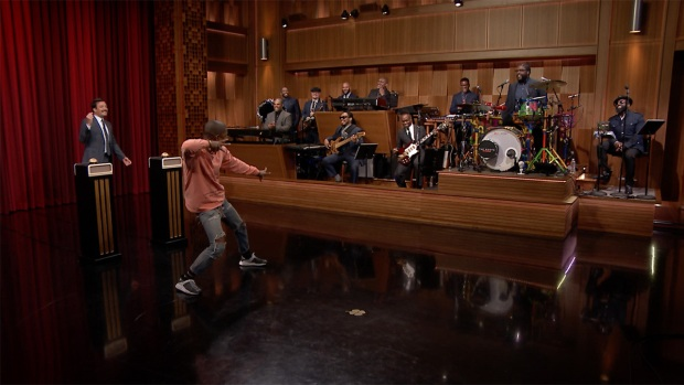 [NATL] 'Tonight': Pharrell Wiliams Plays 'Name That Song'