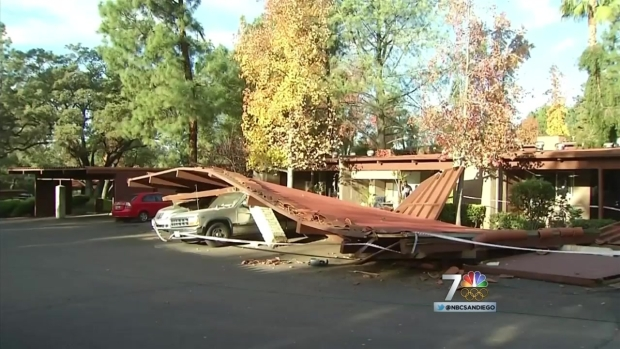 [DGO] Carport Collapse Crushes Owner's 2 Cars