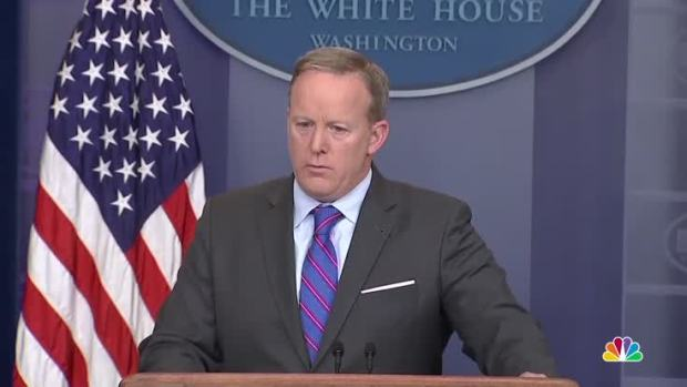 [NATL] WH Blames Obama Administration for Flynn Security Clearance