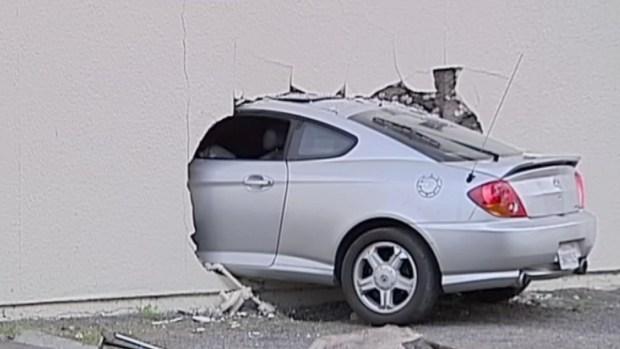 [G] Car Plows Into Vista 7-Eleven