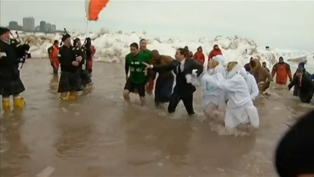 [CHI] Jimmy Fallon Takes Polar Plunge