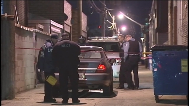 [CHI] Car Chase Ends in Crash, Fatal Shooting in West Town