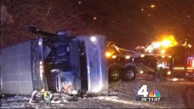 [DC]  4 Injured After Bus Overturns in Va.