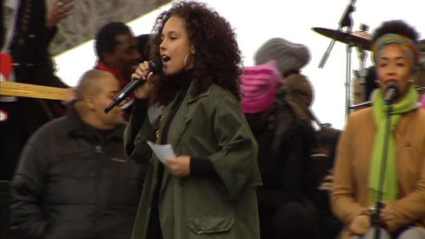 Alicia Keys Speaks at DC Women's Rally: 'I Rise'